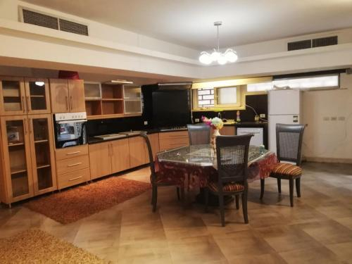 New Cairo infront of downtown-Mall Master bedroom with private toilet and shower, New Cairo 1