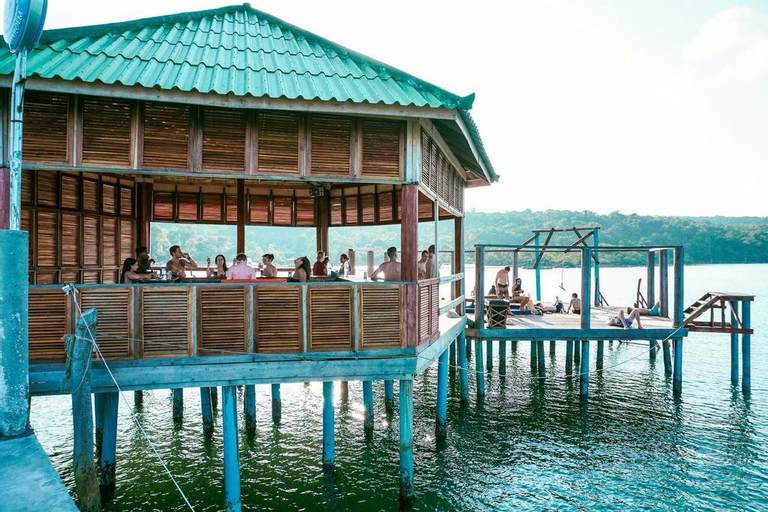 Mad Monkey Backpackers Resort Koh Rong Samloem, Botum Sakor