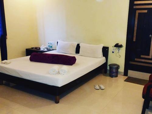 Hotel Centre Point, Saran