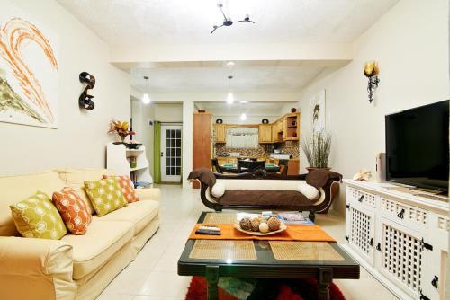 Atlantic Breeze Apartment,