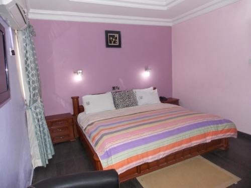 FLOURISH HOTEL AND SUITES, Akure North