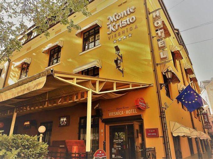 Monte Kristo Hotel, Riga