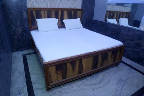 Sharda hotel, Ghaziabad