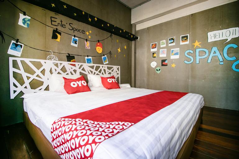 OYO 505 Ente Space Hostel, Khlong San