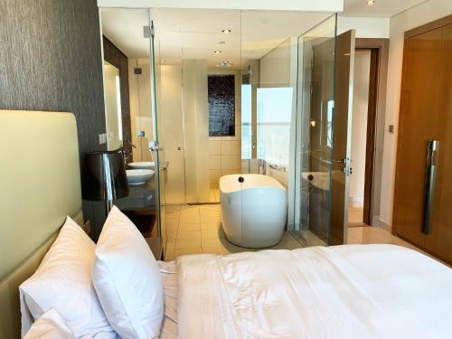 Unique Bedroom with unbeatable views,