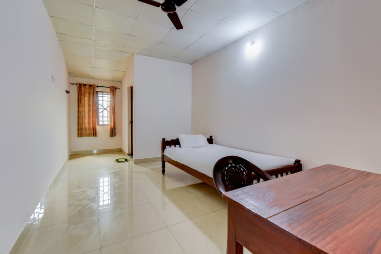 SPOT ON 61475 Comfort Inn, Pathanamthitta