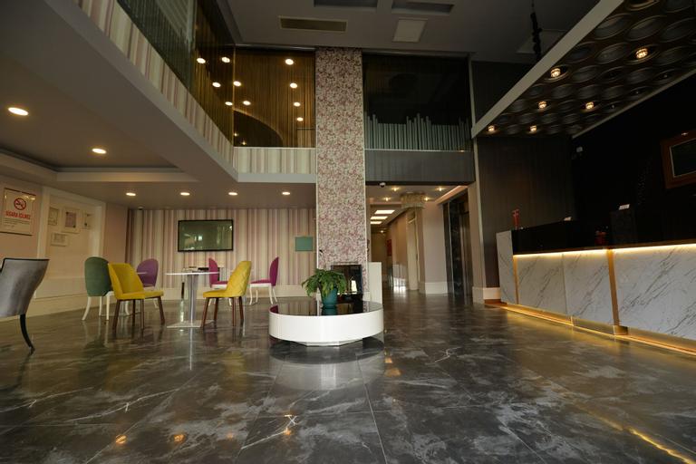 Peker Hotel, Merkez