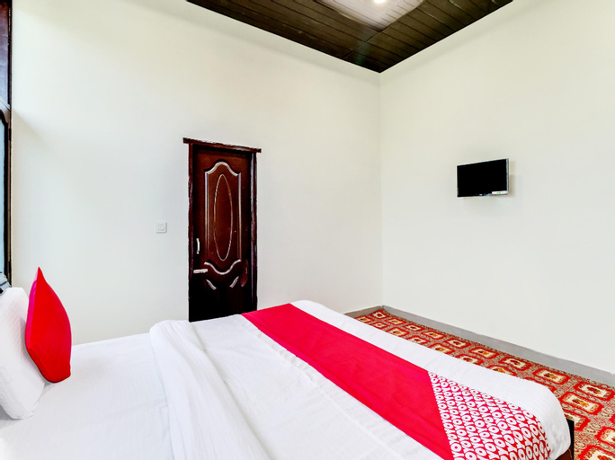 OYO 61061 Amar Palace, Hamirpur