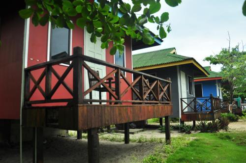 Sipadan Dive Centre Mabul Lodges, Semporna