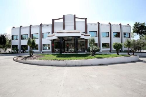 Hotel Grand Chinaar, Solan