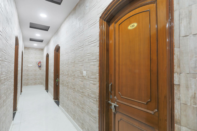 OYO 48585 Hotel Raghuvansh, Ghaziabad