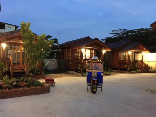 Cherry M Home Stay Near Suvarnaphumi Airport, Bang Plee