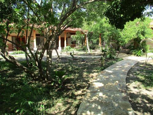 Los Pelicanos, Villa Carlos Fonseca
