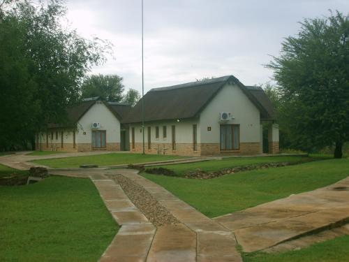 Cookes Lake Lodge, Ngaka Modiri Molema