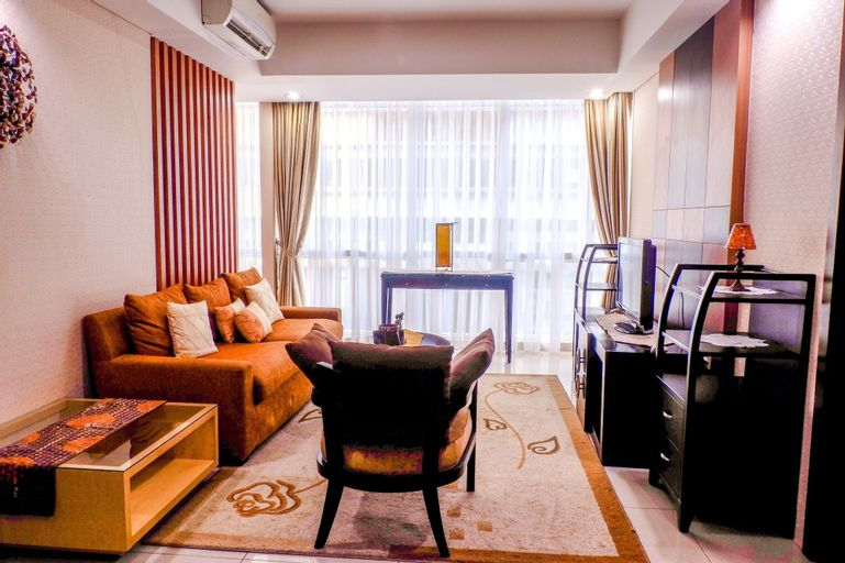 Cozy Pool View Kemang Village Residence Apartment with Direct Access t, Jakarta Selatan