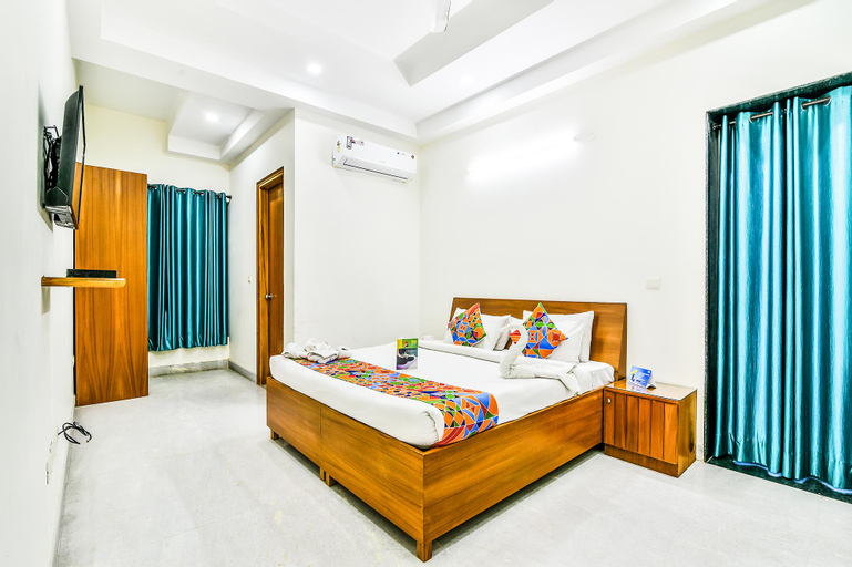 OYO 14626 Merriment, Gautam Buddha Nagar