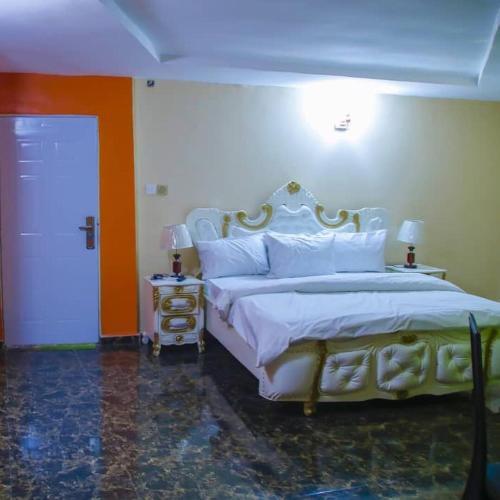 Yung Millennium hotels and suites Owerri, Owerri Municipal
