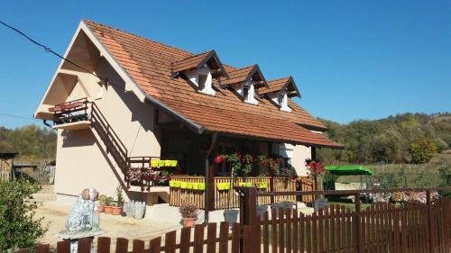 Hostel Guca B&B, Lučani
