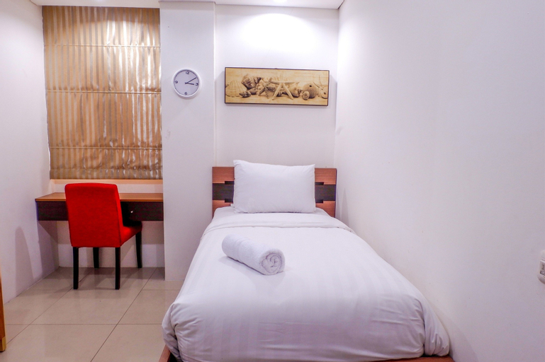 Cozy Pool View Kemang Village Residence Apartment with Direct Access to Mall, Jakarta Selatan
