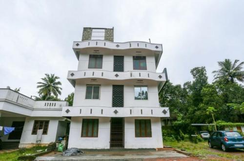 Happy Lodge, Ernakulam
