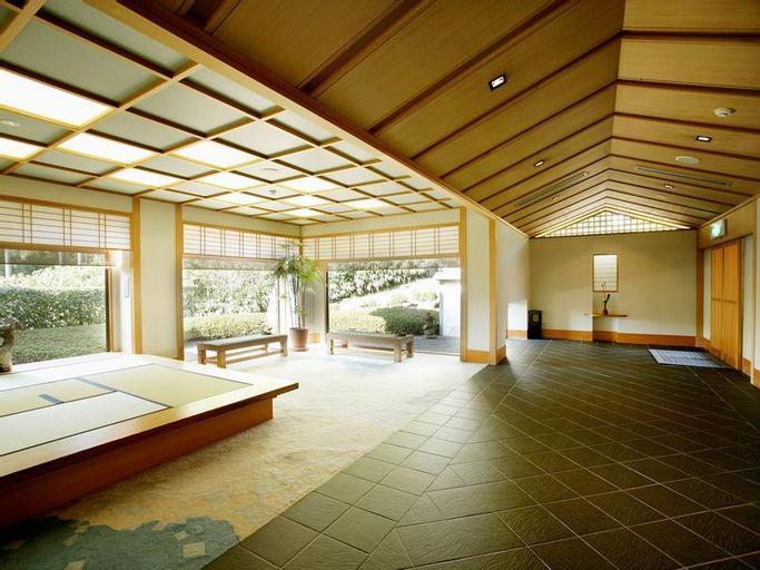 Menard Aoyama Resort: Wafukan Utatsu, Iga