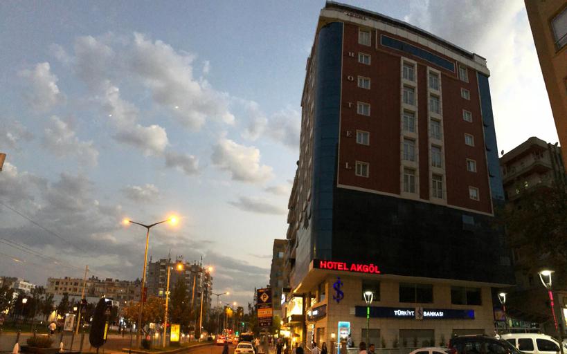 Akgöl Hotel, Merkez