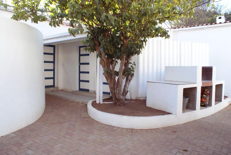 Mr Pell's House, Cacadu
