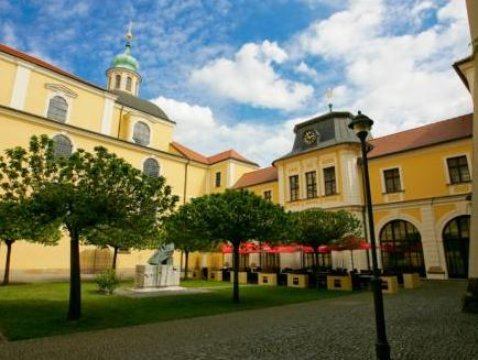 Nove Adalbertinum, Hradec Králové