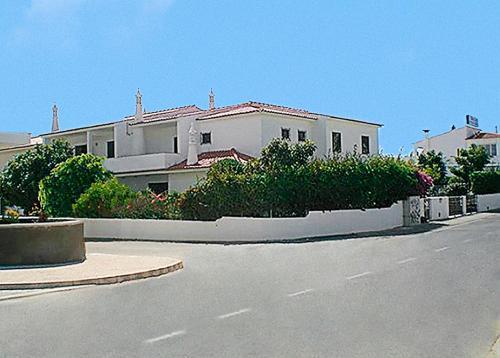 Cheerfulway Oura Village Garden Apartamentos, Albufeira