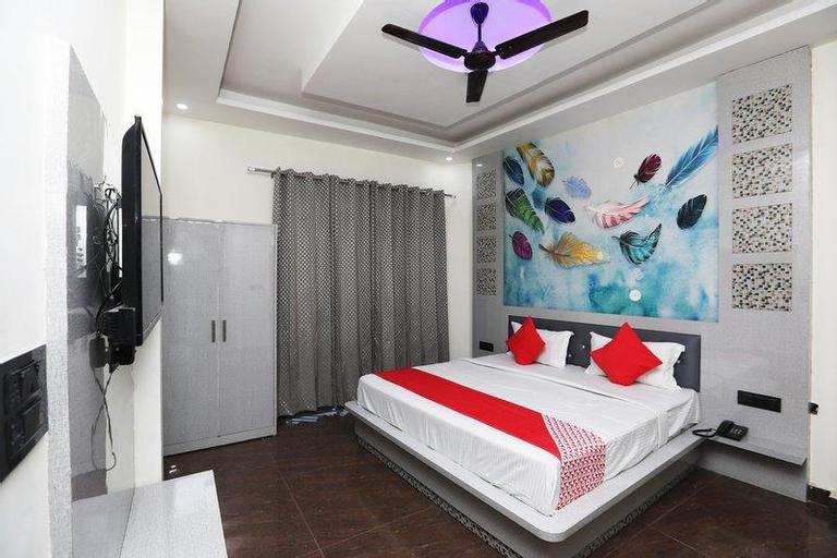 OYO 41920 Hotel Rama Grand, Rohtak