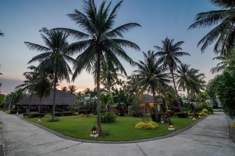 The Beach Village Resort, K. Sam Roi Yot