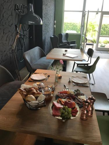 Gastehaus & Cafe Leeze, Bad Dürkheim