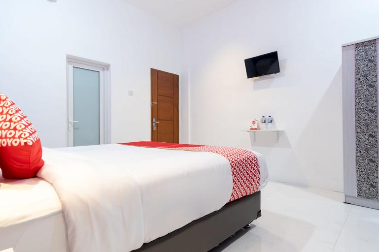 OYO 839 Royal Guest House, Medan