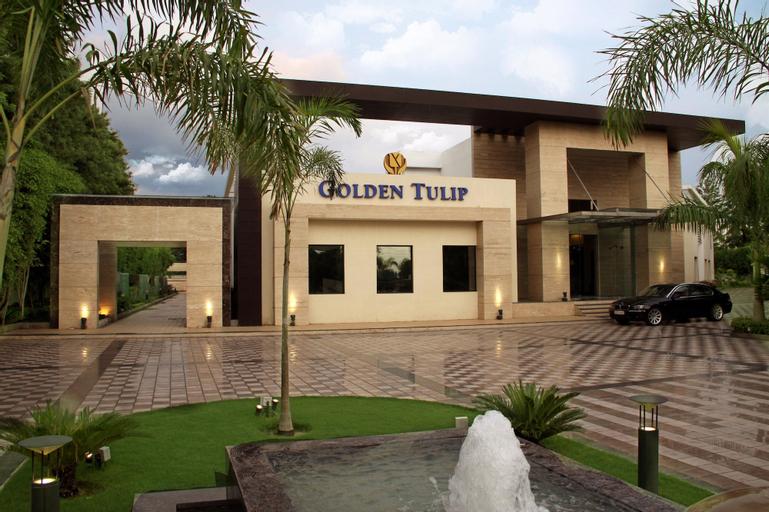 Golden Tulip Delhi-Chattarpur, West