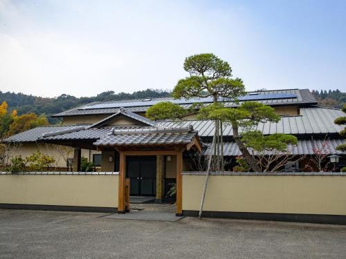 Mikuniya, Kunisaki