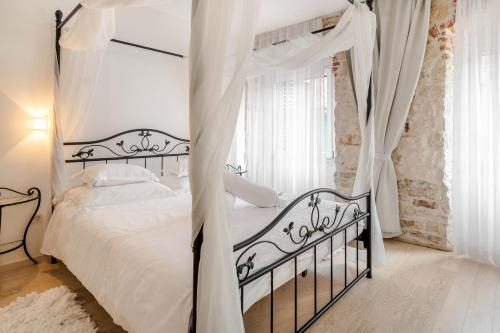 Palace Tartaglia, Split