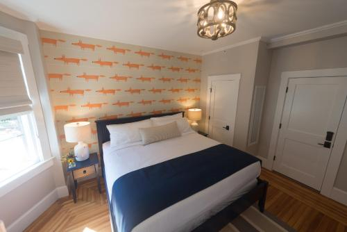 NEWPORT BLUES INN BED AND BREAKFAST - ADULT ONLY (Pet-friendly), Newport