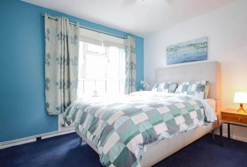 Bromley Court Apartment, London