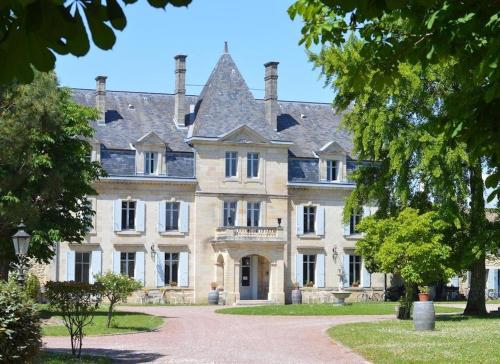 Chateau Julie - Hotel 9 chambres & Salle de mariage, Gironde