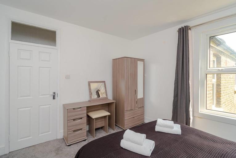Bright 2 Bedroom Flat Easy Access to London Bridge, London