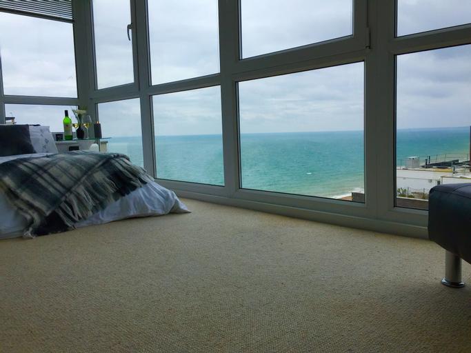 Isabella Penthouse 15th Floor, Seafront, Brighton and Hove