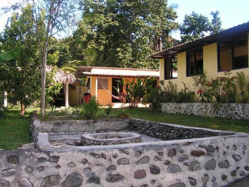 Conrado's Guesthouse B&B, Rancho Arriba