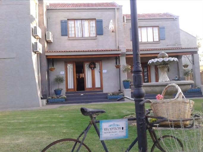 Tuscana Villa Guesthouse, Fezile Dabi
