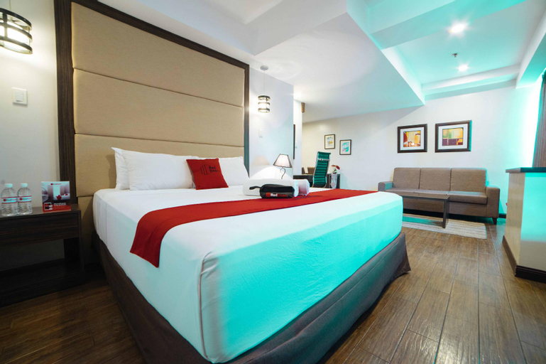 RedDoorz Premium @ West Avenue Quezon City, Quezon City