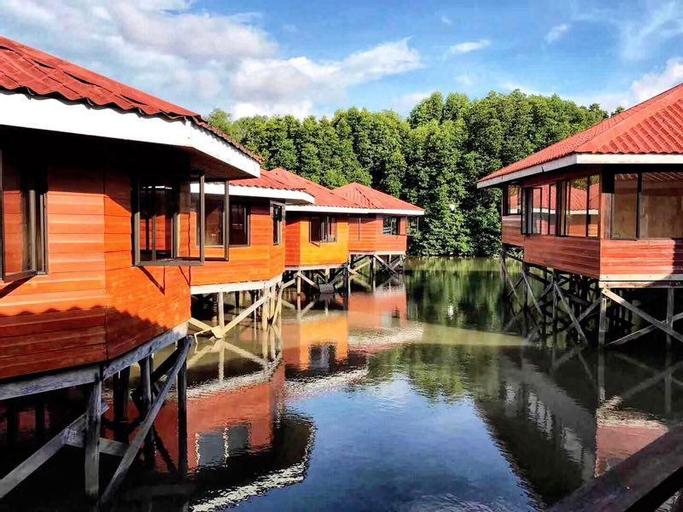 Gayang friendly water house homestay, Tuaran