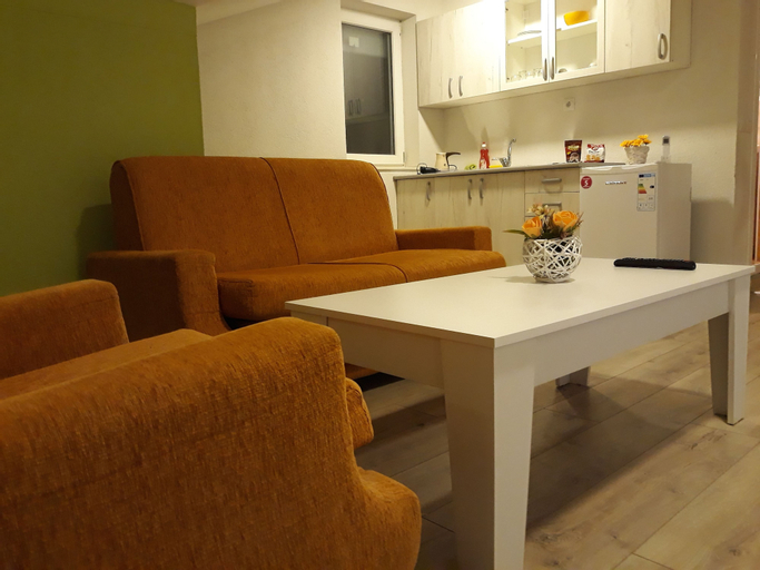 Vila & Apartments MATEA,