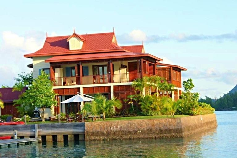 Luxury apartment on Eden Island,