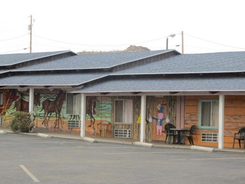 El Trovatore Motel, Mohave
