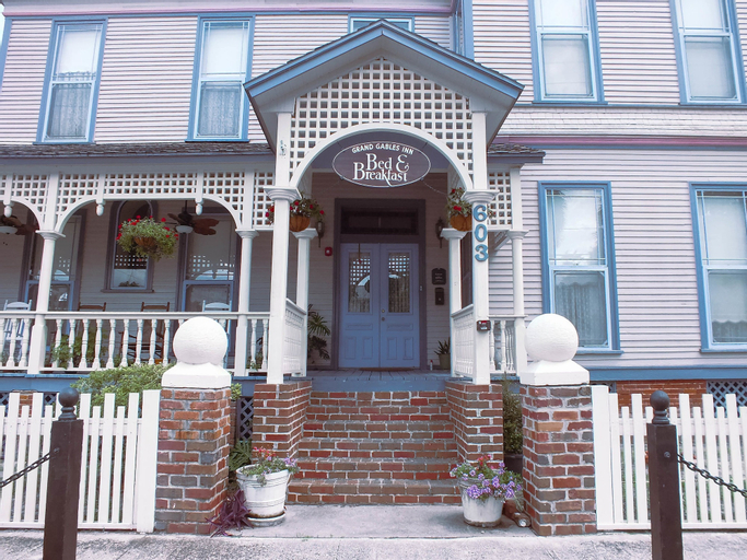 Grand Gables Inn Bed & Breakfast, Putnam
