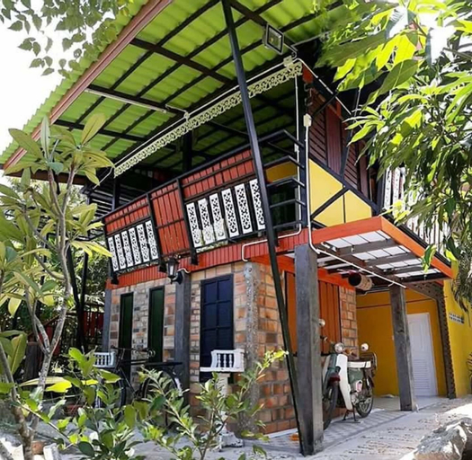 Art-Made Homestay, K. Sri Nakarin